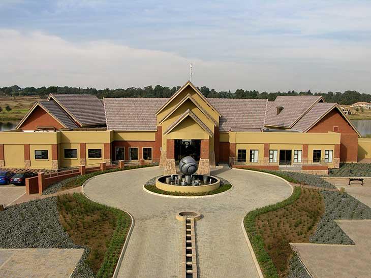 Ebotse Golf Club House